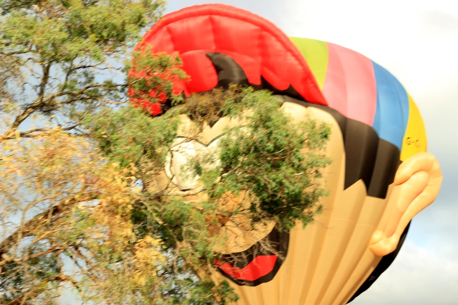 balloons sneek aboo