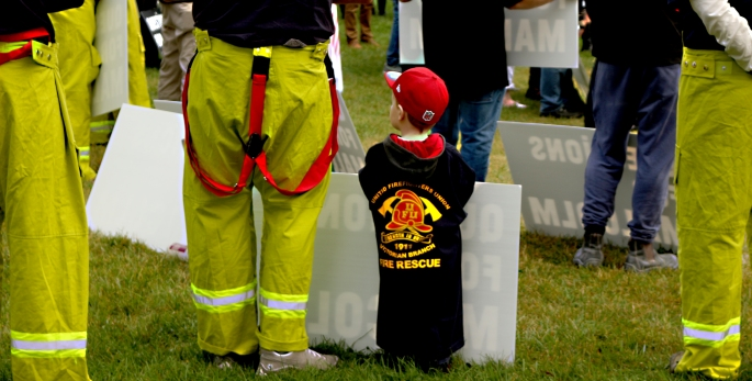 KID ON FIRIES PICKET LINE